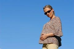 7th månadgravid kvinna Arkivfoto