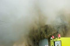 8位消防员工作 免版税库存照片