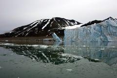 8 27产犊的冰川 库存图片