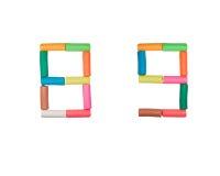 8 9个字母表编号彩色塑泥 库存照片