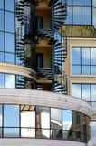 8 moderna reflexioner för byggnader Arkivfoto