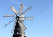 8 seglar den traditionella windmillen Arkivfoton