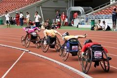 800 mètres de chemin du fauteuil roulant des femmes Image stock