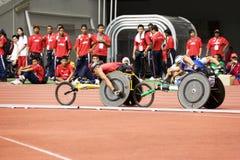 800 mètres de chemin du fauteuil roulant des hommes Images libres de droits