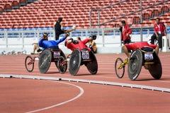 800 mètres de chemin du fauteuil roulant des hommes Photo stock
