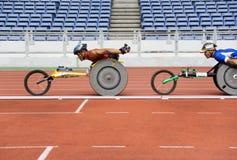 800 tester di corsa della sedia a rotelle degli uomini Fotografie Stock