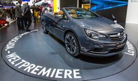 83.o Ginebra Motorshow 2013 - Vauxhal Cascada Imágenes de archivo libres de regalías