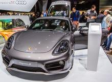 83rd Geneva Motorshow 2013 - Porsche Cayman S Arkivbilder