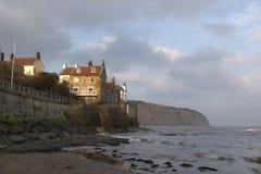 8998, baia dei cappucci di Robin, litorale orientale del Yorkshire, aprile 2006 Immagini Stock Libere da Diritti