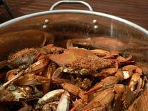 9个蓝色煮熟的螃蟹螃蟹 免版税库存照片