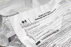 9被弄皱的表单所得税w 免版税库存图片