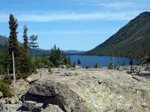 9 средних нижних камней mult озера Стоковая Фотография RF