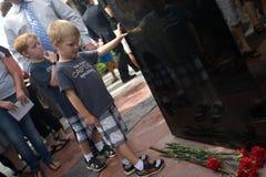 9/11 Feuer-Kämpfer-Denkmal stockfotos