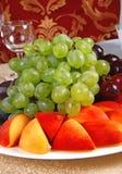 9 winogron brzoskwinia Zdjęcia Royalty Free