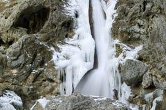 9010, gefrorener Wasserfall, Goredale Narbe, Yorkshire-Täler, April 2006 Lizenzfreie Stockfotos