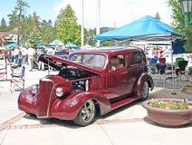 ! 933 Ford Limousine Lizenzfreie Stockfotos