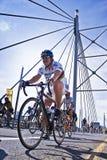 94.7 desafío del ciclo - jinetes en el puente de Mandela Foto de archivo libre de regalías