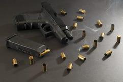 9mm抽烟 图库摄影