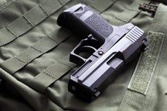 9mm halvautomatisk pistol Royaltyfria Foton