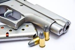 9mm. pistolet z pociskiem Zdjęcia Stock