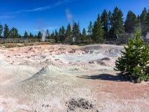A ação da bolha na lama yellowstone Foto de Stock