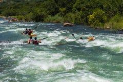 Ação da corredeira do rio da raça de Dusi da canoa Imagem de Stock Royalty Free