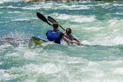 Ação da corredeira do rio da raça de Dusi da canoa Foto de Stock Royalty Free