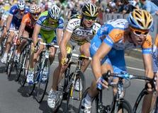 A ação da excursão para baixo abaixo como ciclistas compete ao longo da rua de Rundle em Adelaide no Sul da Austrália Imagens de Stock
