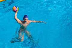 Ação da piscina do polo aquático Imagens de Stock
