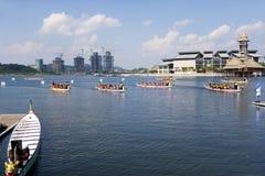 Ação da raça de barco do dragão Imagem de Stock Royalty Free