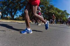 Ação das sapatas dos pés da maratona   Imagens de Stock Royalty Free