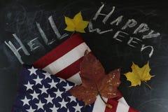 Ação de graças nos estados Abóboras da colheita do outono, maçãs nos EUA Bandeira americana Imagens de Stock