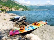 Ação de Kitesurfing no lago Imagens de Stock Royalty Free