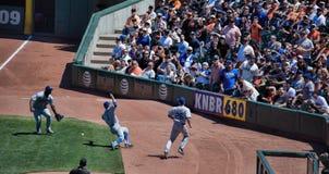 Ação do basebol abaixo da linha do Direito-campo Foto de Stock