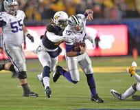 2014 ação do futebol do NCAA - estado de WVU-Kansas Foto de Stock Royalty Free