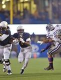 2014 ação do futebol do NCAA - estado de WVU-Kansas Imagem de Stock Royalty Free