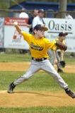 Ação do jogo de basebol da liga júnior Fotos de Stock Royalty Free
