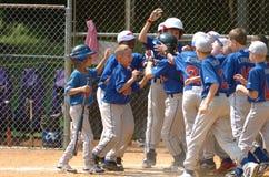 Ação do jogo de basebol da liga júnior Foto de Stock Royalty Free