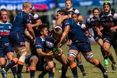 Cinzas Outeniqua do rugby da bola do desafio dos jogadores Fotos de Stock Royalty Free