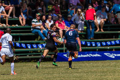 O jogador quebra afastado o rugby Outeniqua Foto de Stock