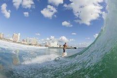 Ação surfando do SUP do surfista Fotos de Stock