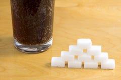 Açúcar adicionado em bebidas efervescentes imagens de stock