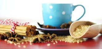 Açúcar do café, canela e close up do macro do edulcorante do café do anis de estrela Imagem de Stock