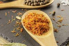 Açafrão secado, temperando Confusão da cozinha, cozinhando Natura perfumado Fotografia de Stock