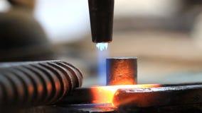Aço de dobra do trabalhador industrial vídeos de arquivo