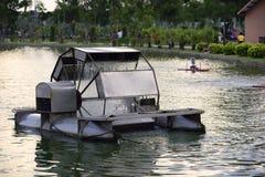 aération de turbine de l'eau dans l'étang Photo libre de droits