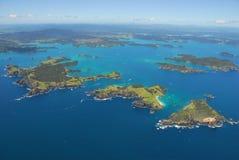 Aéreo - bahía de las islas, tierra del norte, Nueva Zelandia Foto de archivo