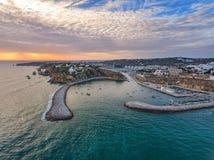 aéreo Entrada al puerto del puerto en Albufeira Fotos de archivo libres de regalías