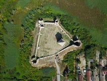 Aérez la vue des ruines de la forteresse de CCB en Serbie Photographie stock libre de droits