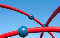 Aérez les lignes rouges de jeu avec trois boules bleues pour l'enfant en Italien Image stock